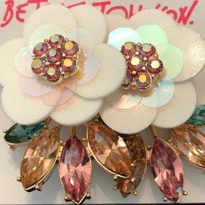 Betsey Johnson WHITE PEDAL FLOWER LEAF EARRINGS
